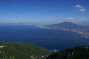 Foto panoramica dal monte Faito del golfo di Napoli